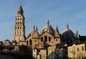 1-cathedrale-saint-front